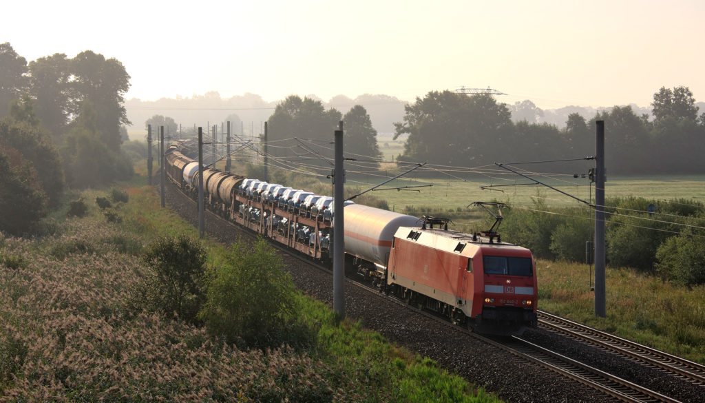 Replaces 52 HGVs: the 740 metre freight train is climate-friendly and efficient