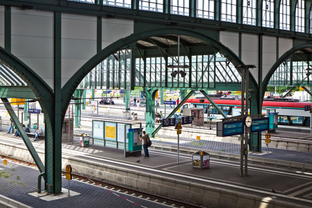 Gleise am Bahnhof Darmstadt