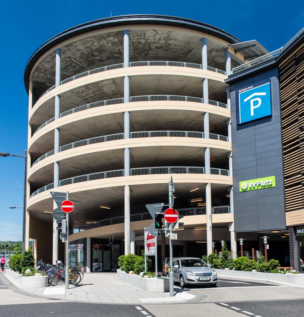 Parkhaus mit 400 Stellplätzen