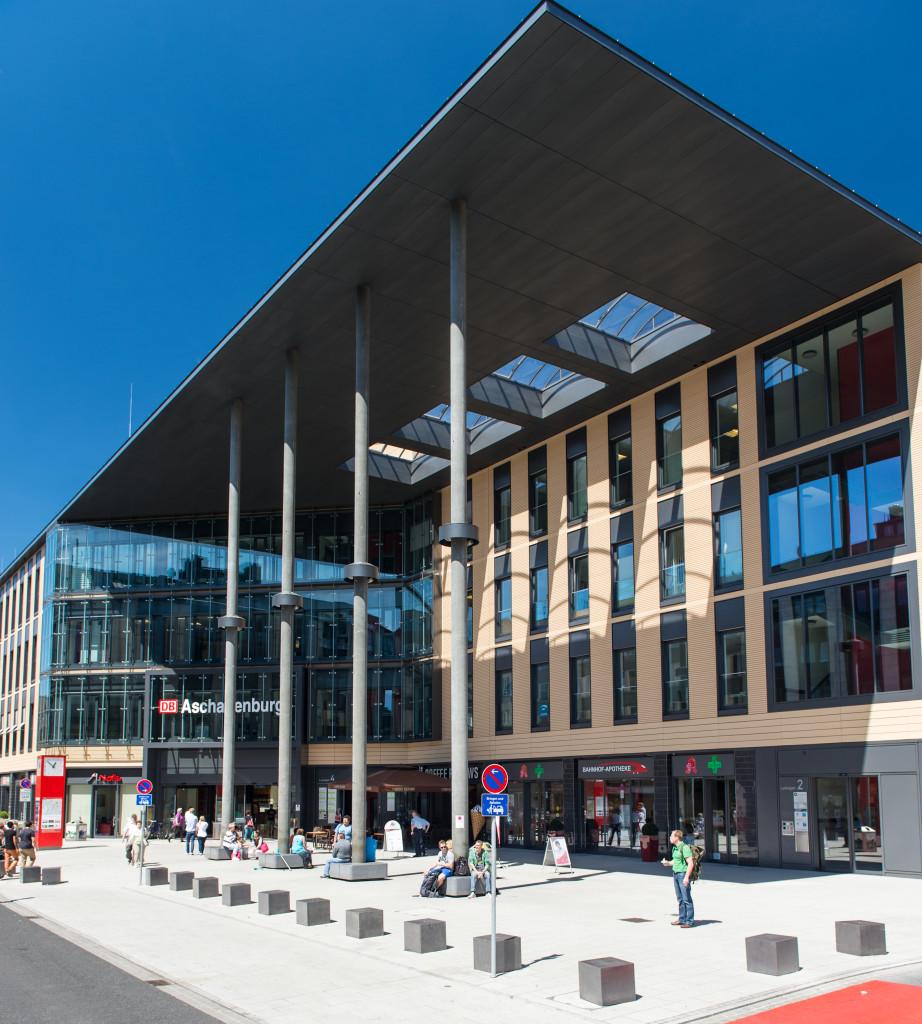 Vorplatz Bahnhof Aschaffenburg