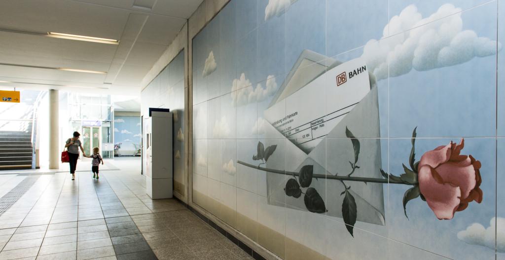 Wandbilder in der Unterführung