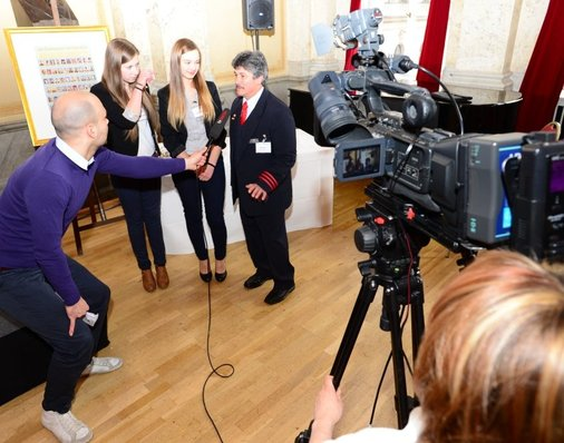 Im Interview: Peter Gitzen erzählt vom Telefonat mit den Eltern von Saskia und Annabell und dem guten Kontakt, den die drei Familien seither pflegen.