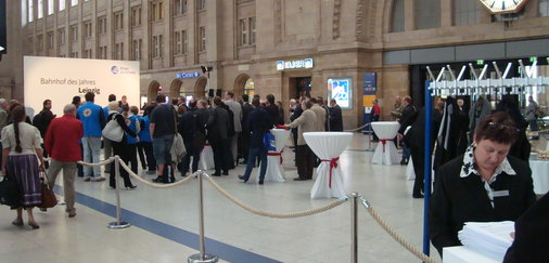 Siegesfeier in der Bahnhofshalle Leipzig