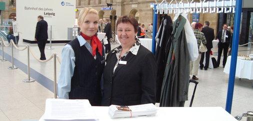 Mitarbeiterinnen des Bahnhofsmanagements