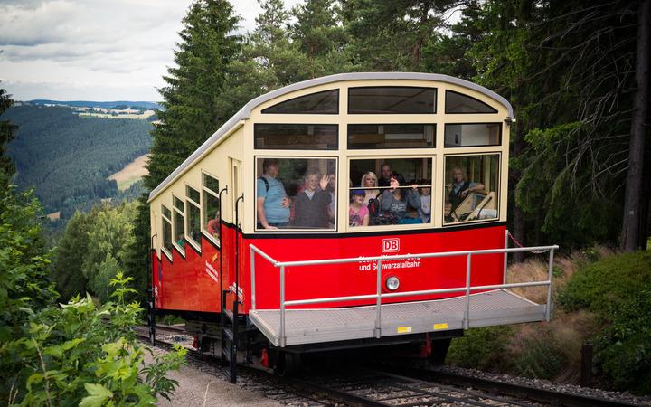 Ein Wagen der Oberweißbacher Bergbahn