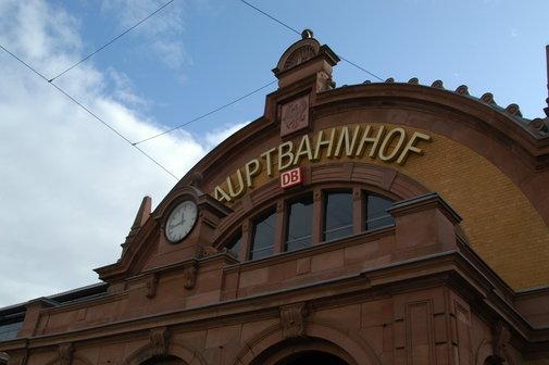 Eingang Bahnhof Erfurt