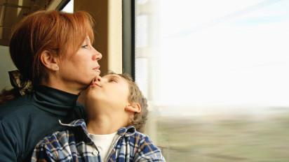 Entspannt reisen mit dem Zug: Im Fernverkehr steigt der Marktanteil / Modal Split der Eisenbahn