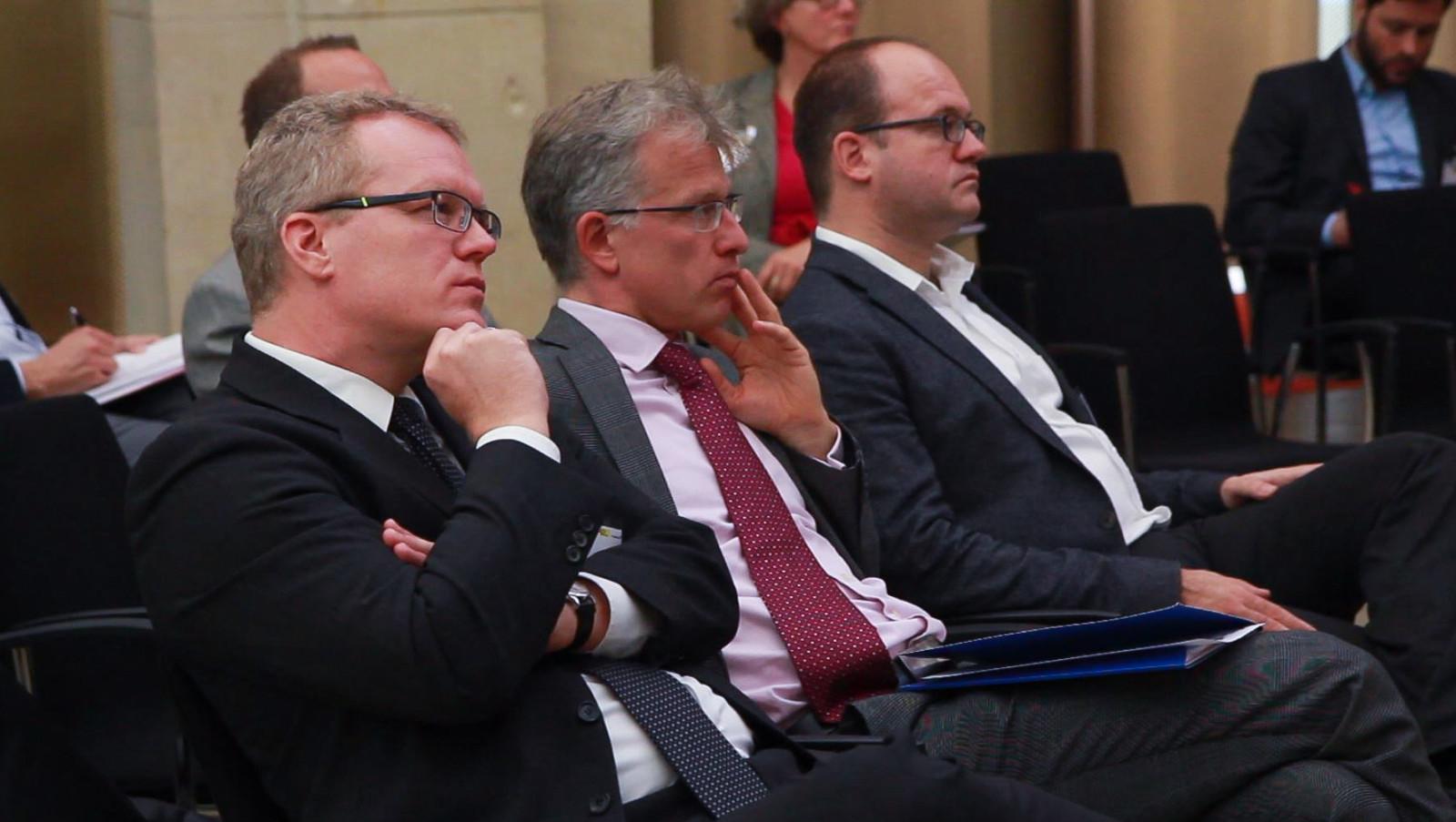 Klimasorgenkind Verkehr - Dirk Flege (Allianz pro Schiene), Carel Mohn (Klimafakten), Matthias Knobloch (ACE).