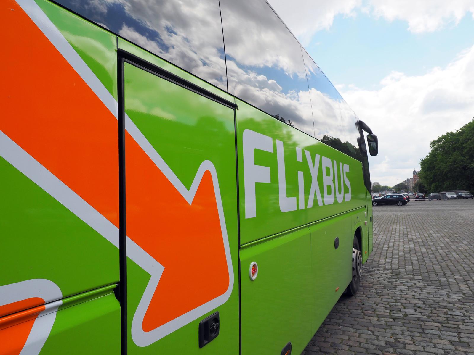 Mautbefreiung für den Fernbus: Warum gibt es keine Fernbusmaut? Alle anderen müssen zahlen, das verzerrt den Wettbewerb im Verkehr.