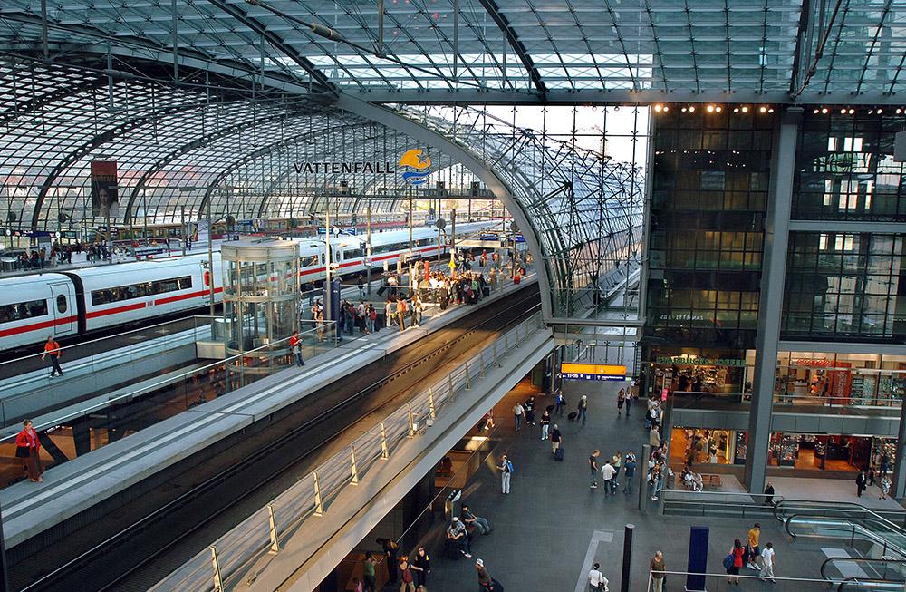 Bahnsteighalle Berlin Hbf