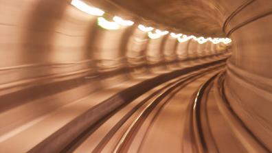Tunnelblick: Der Bundesverkehrswegeplan legt den Kurs der Bundesregierung für die nächsten Jahrzehnte fest. Statt modern und visionär ist die neue Verkehrsplanung vor allem eins: straßenlastig.