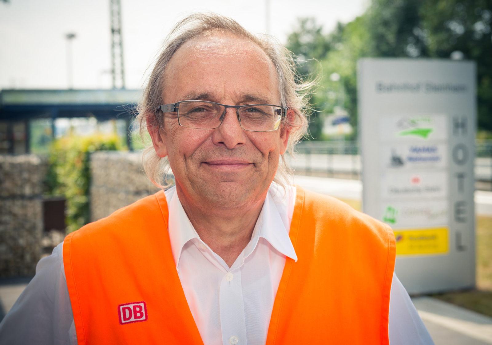 Der Kopf hinter dem Erfolgsprojekt Bahnhof Steinheim (Westfalen): Der Bahnhofsmanager Martin Nowosad