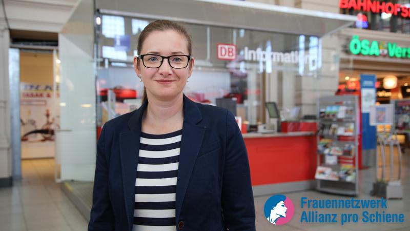 Leitet 128 Bahnhöfe: Die Bahnhofsmanagerin Cornelia Kadatz