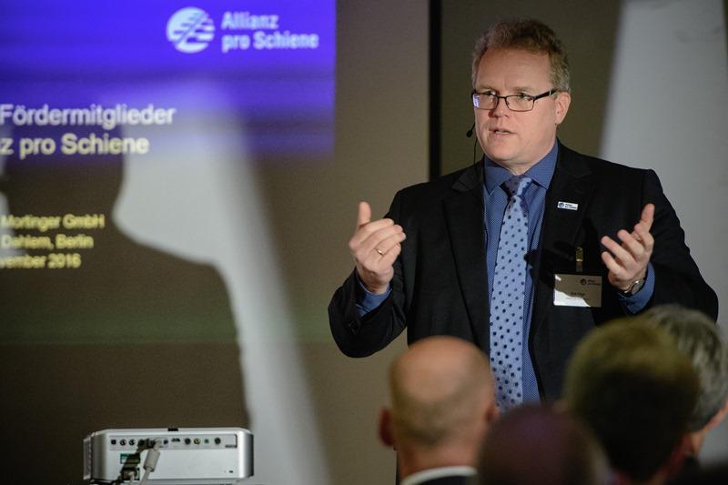Dirk Flege berichtet aus der Allianz pro Schiene Geschäftsstelle