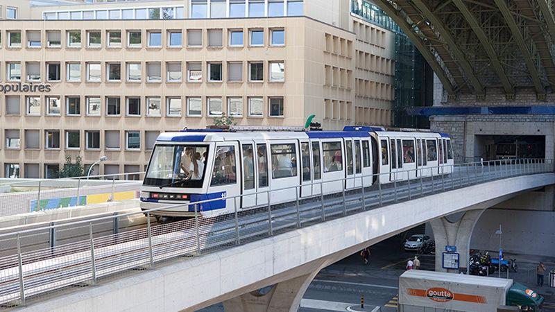 Eine autonome Bahn auf der Linie M2 im schweizerischen Lausanne