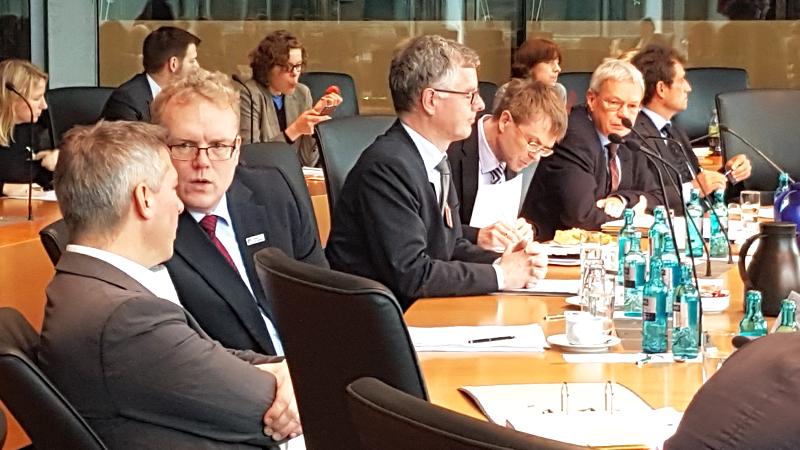 Verbändeanhörung zum Bundesschienenwegeausbaugesetz: Die Allianz pro Schiene zu Gast im Bundestag