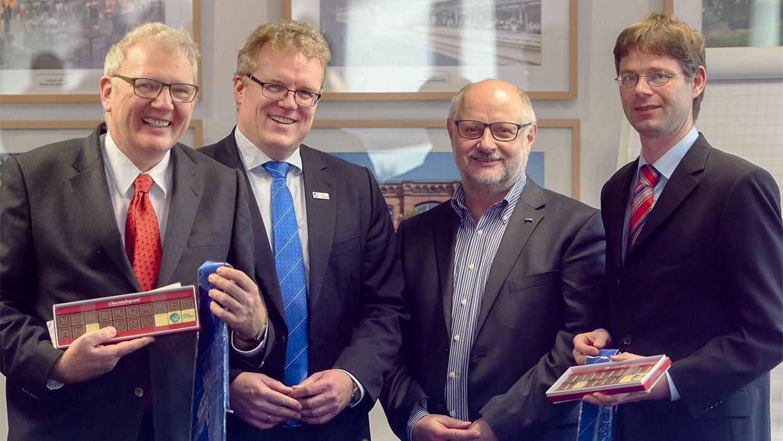 Neue Gesichter im Vorstand der Allianz pro Schiene: EVG-Chef Alexander Kirchner bleibt Vorsitzender, für den VCD kommt Matthias Kurzeck. Prof. Hecht von der TU Berlin rückt erstmals in den Vorstand auf.