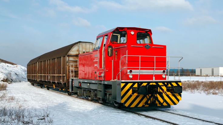 Ein Güterzug transportiert Beauty-Care-Produkte von Henkel
