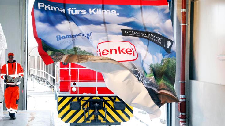 Verkehrsverlagerung bei Henkel: Jedes Jahr rund 15.000 Lkw-Transporte weniger