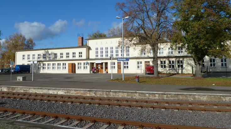 Der Bahnhof Pritzwalk ist noch kein barrierefreier Bahnhof. Das Bundesverkehrsministerium fördert nun den Umbau