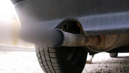 Schlechte Klimabilanz: Das UBA legt der Bundesregierung die Quittung vor. Die Bevorzugung des Straßenverkehrs durch die Politik führt zu höheren Emissionen im Verkehr. Höchste Zeit für eine Verkehrswende.