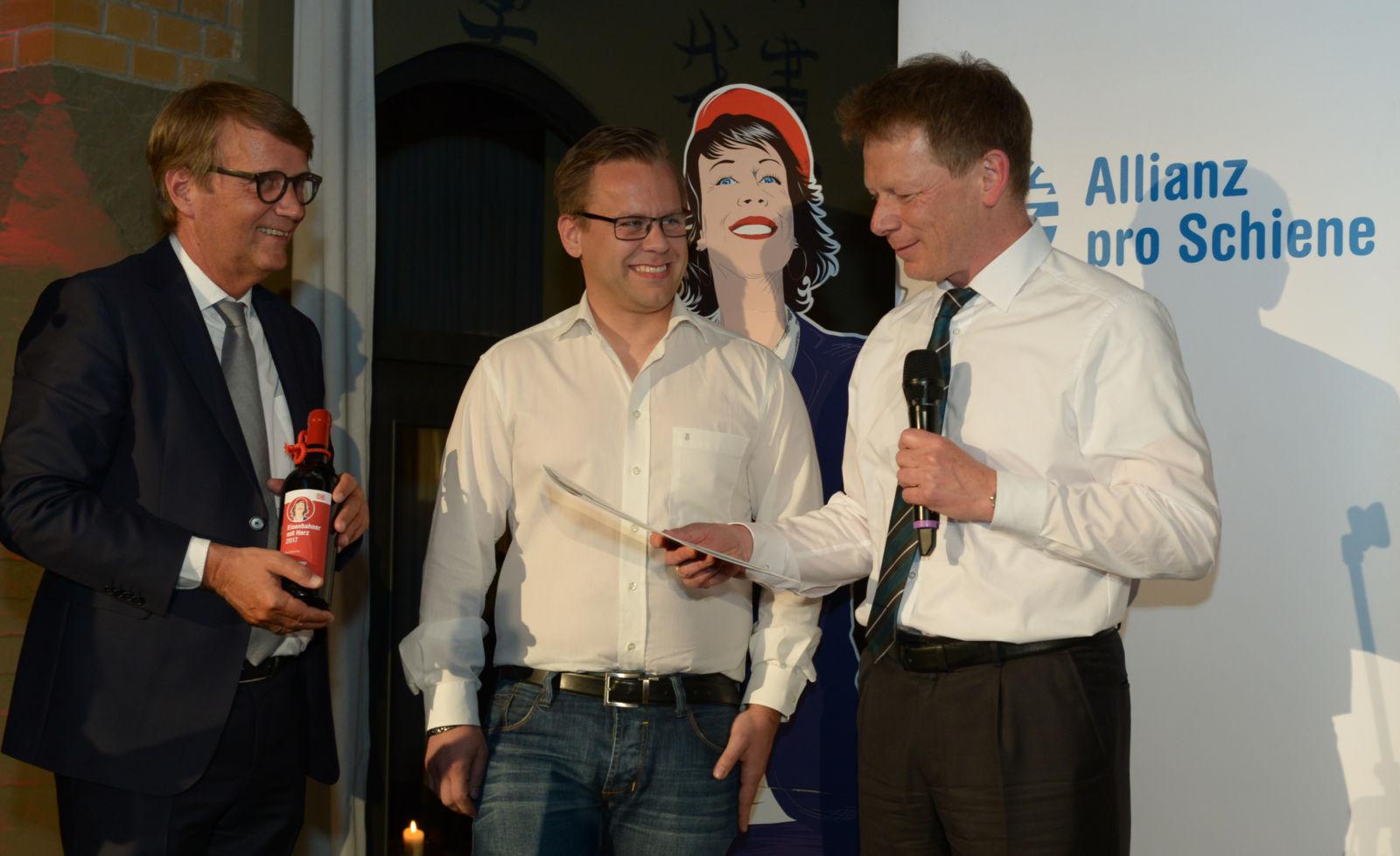 Ronald Pofalla und Dr. Richard Lutz ehren Sonderpreisträger Kai Steinkamp