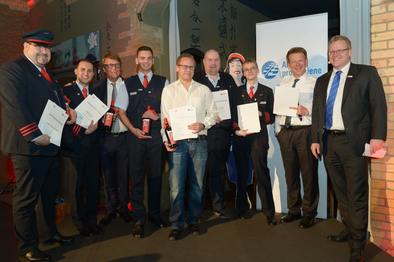 Die Sieger der Deutschen Bahn mit Bahnchef Dr. Richrad Lutz und Ronald Pofalla