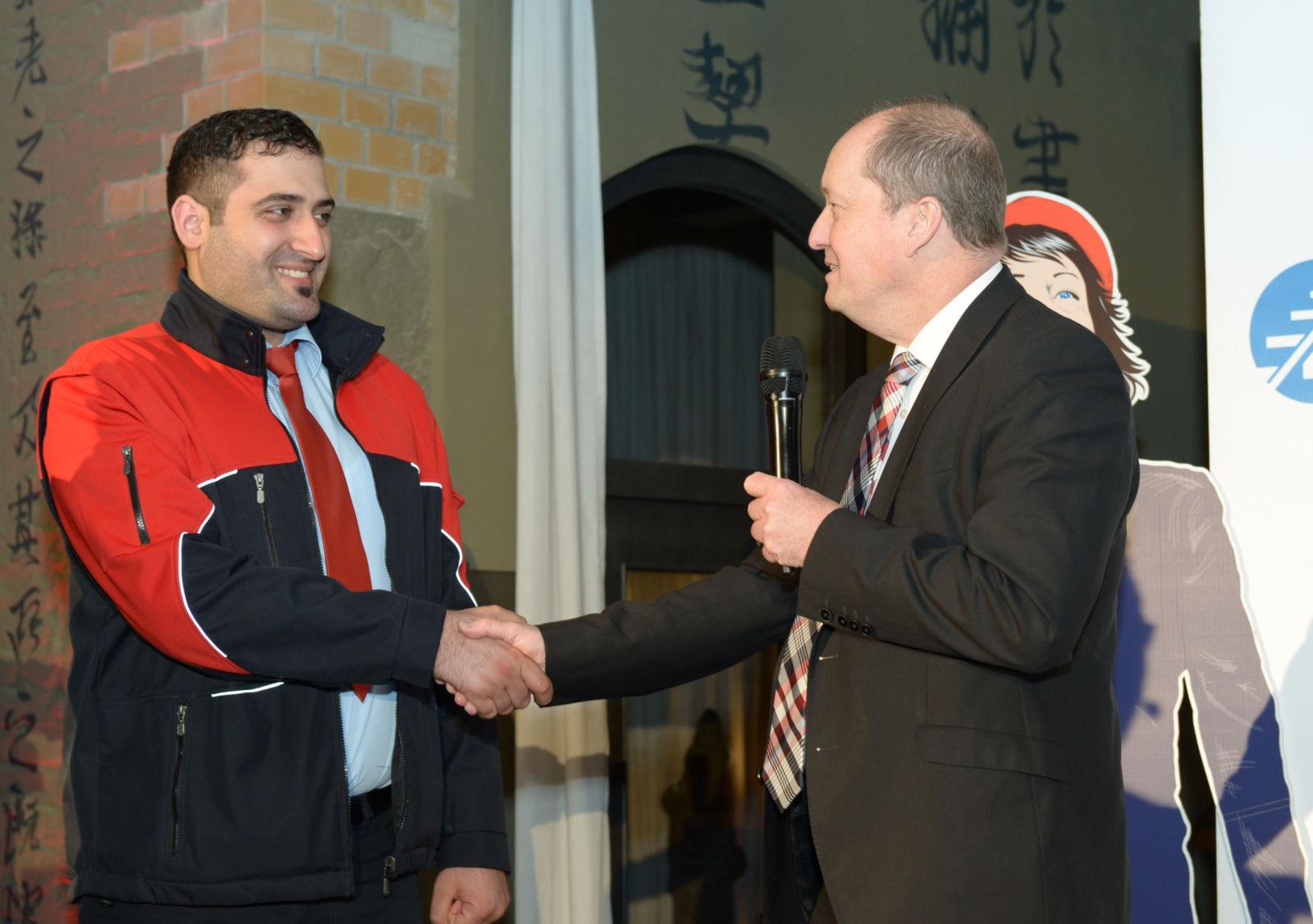 Sadik Tubay mit National Express Geschäftsführer Dirk Ballerstein