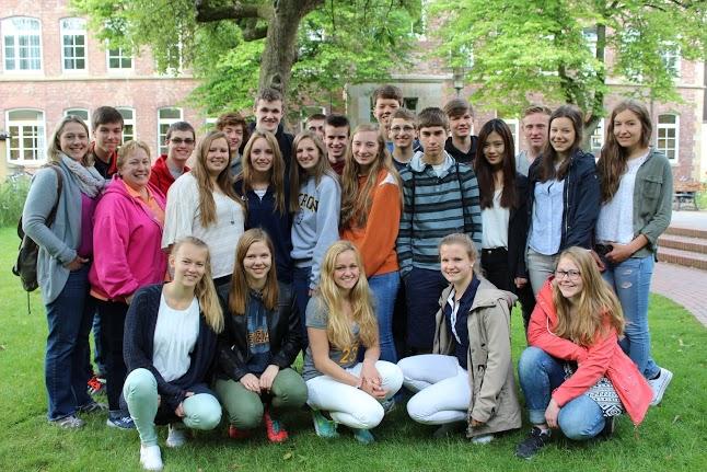 Die Schulklasse aus den USA: Nach dem tollen Einsatz von ICE-Zugchef Christian Mainka wieder in voller Besetzung.