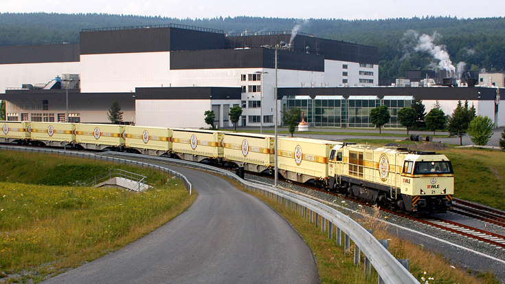 Das Warsteiner Bier wird seit dem Jahr 2005 mit dem Güterzug transportiert.