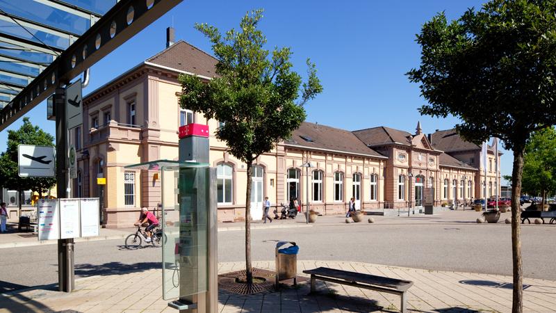 Der Bahnhof Baden-Baden in Baden-Württemberg