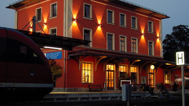 Der Bahnhof Landsberg am Lech am Abend