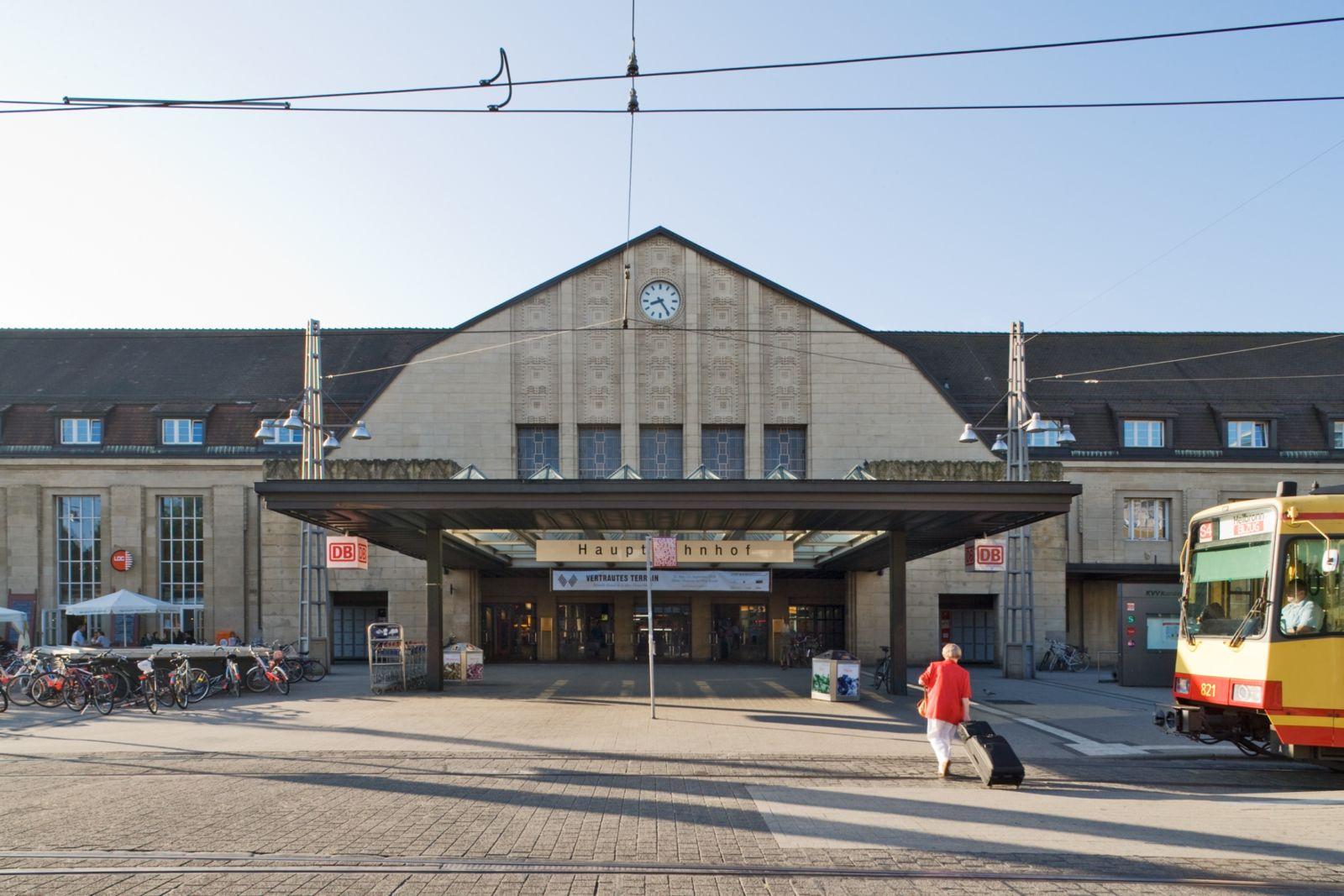 Karlsruhe Hauptbahnhof: Außenansicht