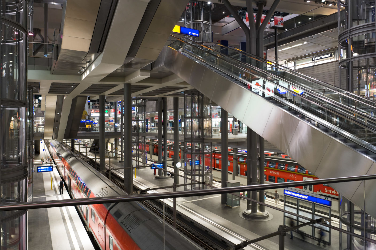 Blick auf den Tiefbahnhof Berlin