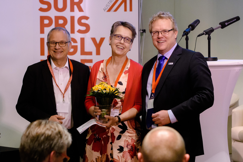 Herzlicher Abschied nach drei Jahren als Förderkreissprecherin: Hans Leister und Dirk Flege bedanken sich bei Dr. Susanne Kortendick