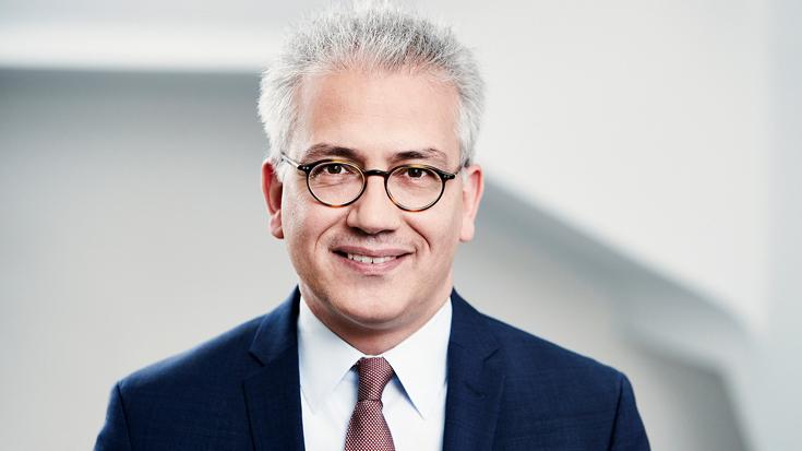 Der Hessische Minister Al-Wazir im Interview mit der Allianz pro Schiene.