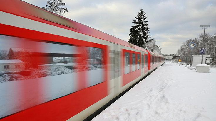 Sicher durch den Winter: Die Allianz pro Schiene vergleicht die Sicherheit der Verkehrsträger
