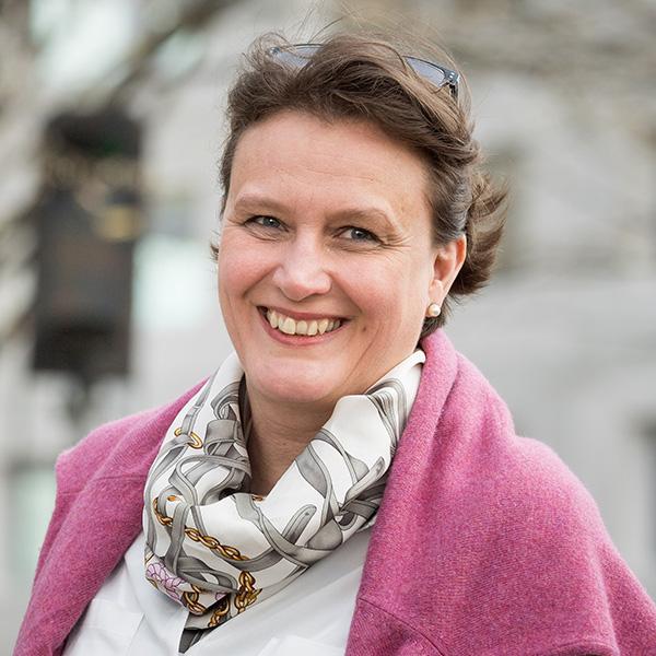 Prof. Dr. Corinna Salander sitzt in der Jury des Wettbewerbs Innovationspreis Mobilitätsgestalterin.