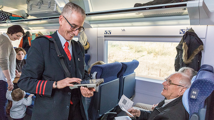 Recep Buluter erhielt 2018 die SILBER-Auszeichnung für den Wettbewerb Eisenbahner mit Herz der Allianz pro Schiene