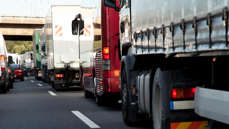 EU-Mobilitätspaket: Was die Arbeitsbedingungen von Lkw-Fahrern mit der Bahn zu tun haben