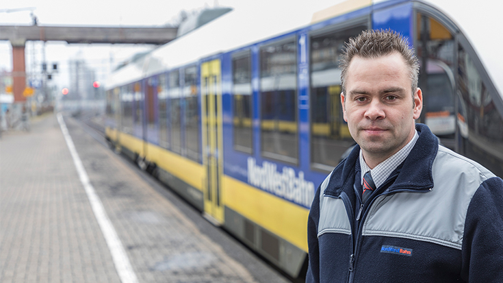 Swen Sengebusch erhielt 2018 die BRONZE-Auszeichnung für den Wettbewerb Eisenbahner mit Herz der Allianz pro Schiene