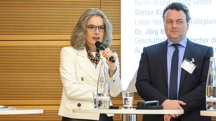Susanne Henckel (VBB) und Stefan Kühn (DB Netz AG).