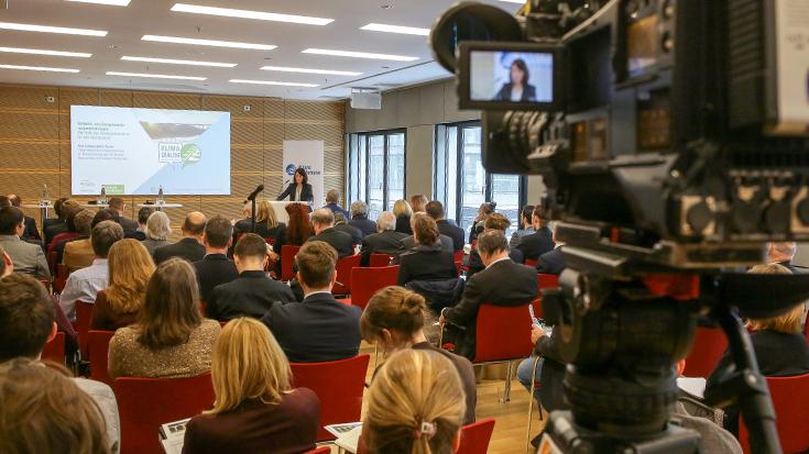 """Abschlusskonferenz des Projekts """"Mehr Klimaschutz mit Schienenverkehr"""": Klimaschutz: Ohne die Bahnen geht es nicht"""