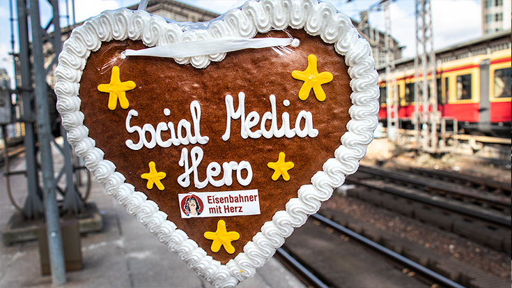 Wer ist Deutschlands beliebtester Eisenbahner? Auf Facebook haben die Reisenden ihre Lieblingsmitarbeiter gekürt: Haushoher Sieger ist DB Regio-Zugbegleiter Peter Hohmann aus Fulda.