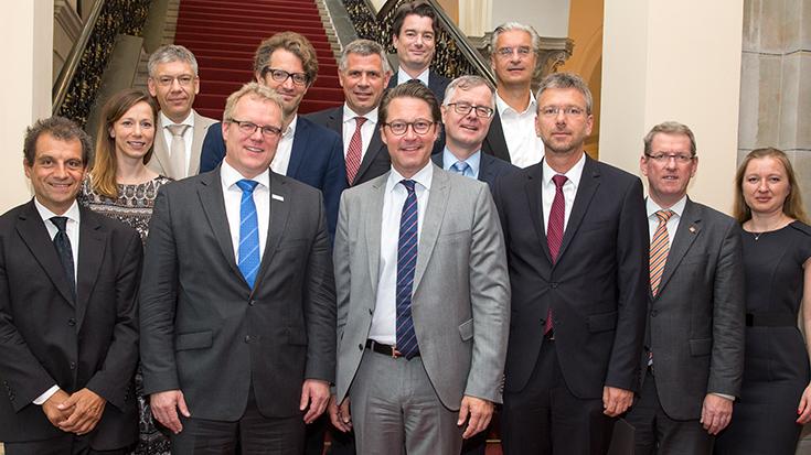 Dirk Flege und Andreas Scheuer im Bundesverkehrsministerium (BMVI): Zukunftsbündnis Schienenverkehr