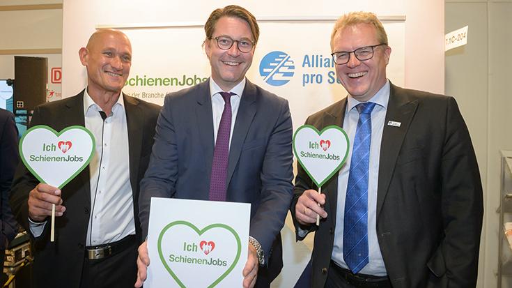 """InnoTrans 2018: Bundesverkehrsminister Andreas Scheuer mit klarer Botschaft: """"Ich liebe SchienenJobs"""". Kein Wunder, denn so eine Vielfalt an Jobs gibt es nur bei der Schiene. Allianz pro Schiene"""