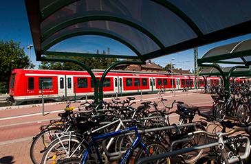 Fahr Rad zum Zug