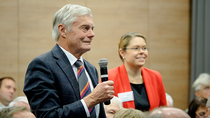 """""""Goldene Umweltschiene"""": Staatssekretär überreicht Preis an Allianz pro Schiene: Publikum"""