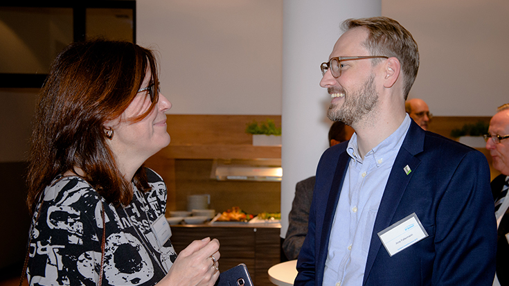 """""""Goldene Umweltschiene"""": Staatssekretär überreicht Preis an Allianz pro Schiene: Jolanta Skalska, Arne Fellermann"""