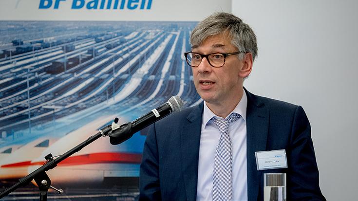 """""""Goldene Umweltschiene"""": Staatssekretär überreicht Preis an Allianz pro Schiene: Stefan Tidow"""